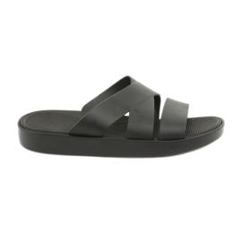 Černá platforma pantofle Atletico 185