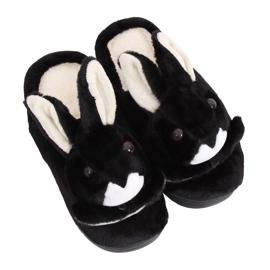 Černé dámské pantofle MA17 černá