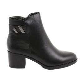 Izolované boty se zipem Daszyński SA153 černé černá