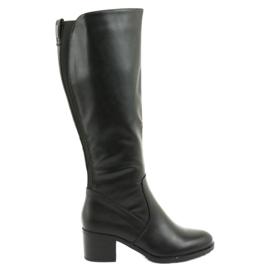 Izolované boty na vysokých podpatcích Daszyński 153 černé černá