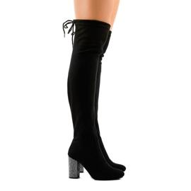 Černé semišové boty na sloupku 0-235 černá