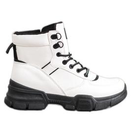 SHELOVET Kotníkové boty na módní platformě bílá