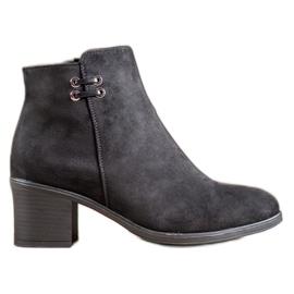 Clowse Černé kotníkové boty černá