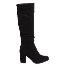 Klasické černé vysoké boty na podpatku 750-05 Černá