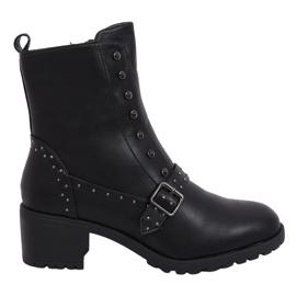 Černé vysoké boty na podpatku 1003-1 Černá