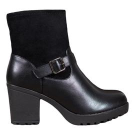 J. Star Módní boty na platformě černá