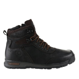 Černé izolované pánské turistické boty M70-2A černá