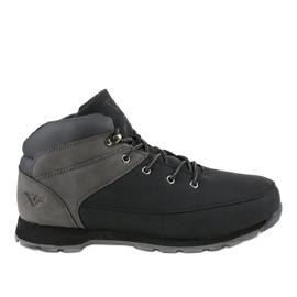 Černé izolované pánské turistické boty T-1918