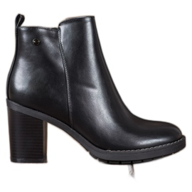 Ideal Shoes Pohodlné vysoké podpatky černá