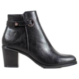 Ideal Shoes Klasické ekologické kožené boty černá