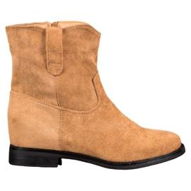 Ideal Shoes Teplé kovbojské boty na klínu hnědý