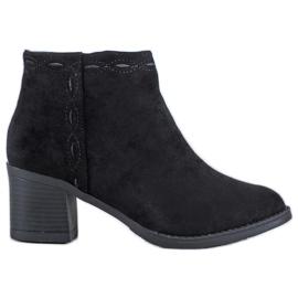 Kylie Černé kotníkové boty černá