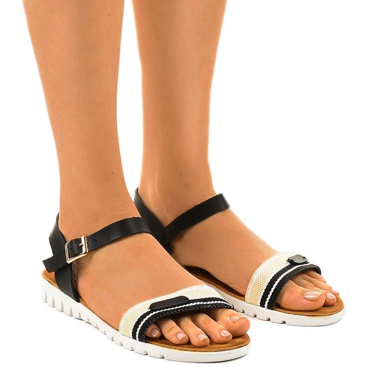 Dámské černé ploché sandály G-513-01 černá