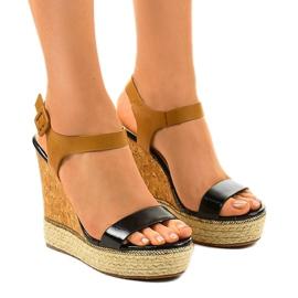 Černé sandály na klínových patách espadrilles VB76063 černá
