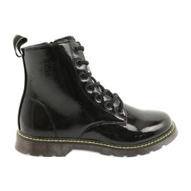 Černé lakované boty Evento 20DZ23-3216 Marita černá