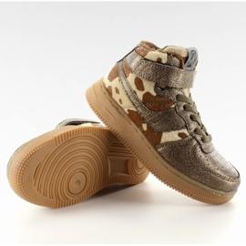 Dětská sportovní obuv izolovaná k1646103 Bronce hnědý 4