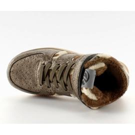 Dětská sportovní obuv izolovaná k1646103 Bronce hnědý 5