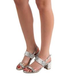Ideal Shoes Módní dámské sandály šedá 6