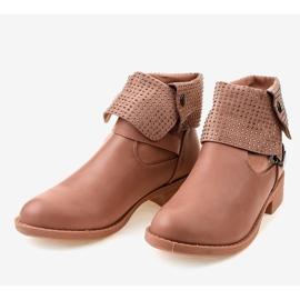Růžové boty s přezkou a cvočky GG-43P růžový 3