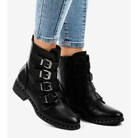 Dámské černé boty s přezkami S120 černá 1
