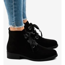 Černé semišové šněrovací boty K123 černá 2