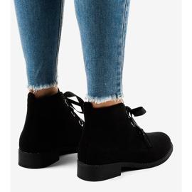 Černé semišové šněrovací boty K123 černá 3