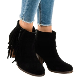 Černé semišové boty na postu FY8333 černá 1