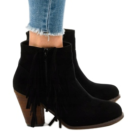 Černé semišové boty na postu FY8333 černá 2