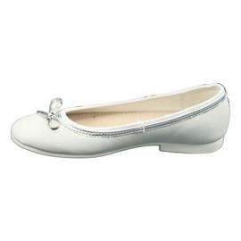 American Club Baleríny s lukem, bílý perlový americký klub GC29 / 19 bílá vícebarevný 1