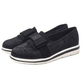 Černé matné boty na klínu YT-8 černá 2
