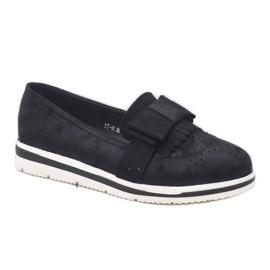 Černé matné boty na klínu YT-8 černá 3