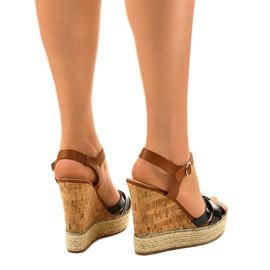 Černé sandály espadrilles na klínu 6032 3
