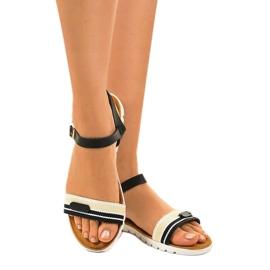 Dámské černé ploché sandály G-513-01 černá 3