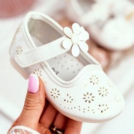 Apawwa Dětské byty Velcro Flower White Flored bílá 2