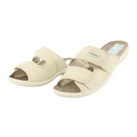 Elastické pantofle Adanex 17660 béžový 2