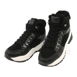 Sportovní pohodlné boty Lee Cooper LCJL-20-31-152 černá 2