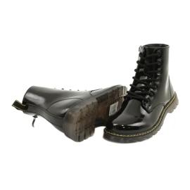 Černé lakované boty Evento 20DZ23-3216 Marita černá 5