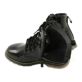Černé lakované boty Evento 20DZ23-3216 Marita černá 6