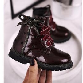 EVE Kaštanové lakované boty Essie červená 2