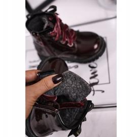 EVE Kaštanové lakované boty Essie červená 1