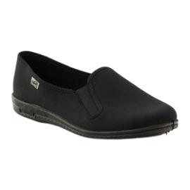 Černé pantofle Befado 001M060 černá 1