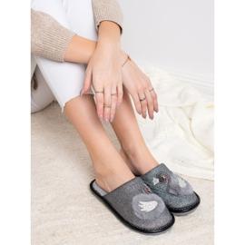 Bona Stylové pantofle s aplikací šedá 2