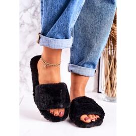 FRJ Dámské pantofle z černé kožešiny v chladných dnech černá 2