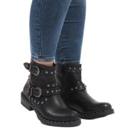 Černé boty se sponami a flitry A8018 černá 1