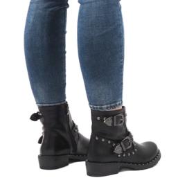 Černé boty se sponami a flitry A8018 černá 2