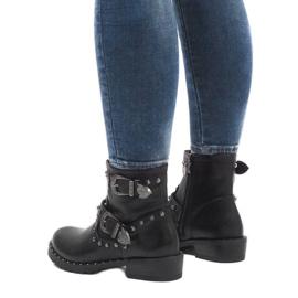 Černé boty se sponami a flitry A8018 černá 3