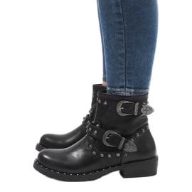 Černé boty se sponami a flitry A8018 černá 4