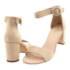 Sandály na podpatku béžové Evento 20SD98-1617 béžový 2