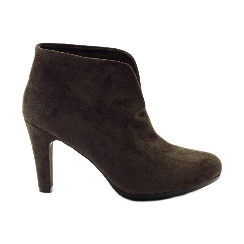 Hnědé dámské boty Hengst 214702